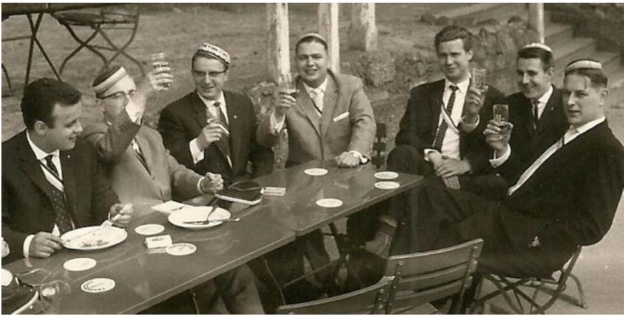Vorstellung des 1. Jahrbuchs beim oKC 1956 in Würzburg